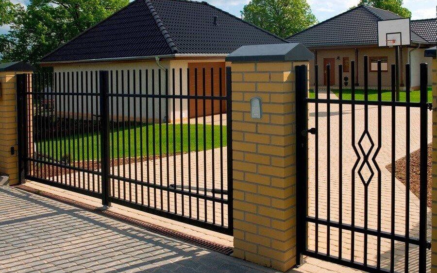 ворота распашные решетчатые